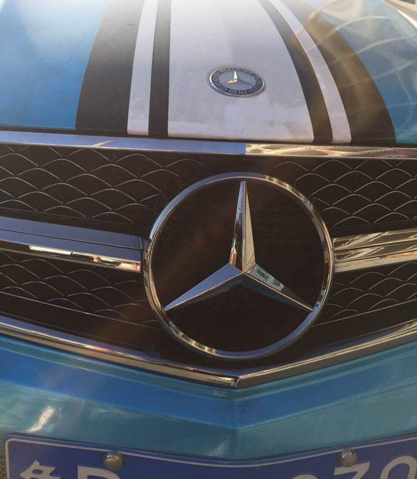 奔驰c63中网改电镀钨钢黑色装车图