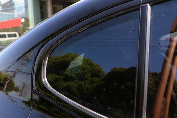 荣威es950车窗亮条中网尾喉门把手改亮黑色